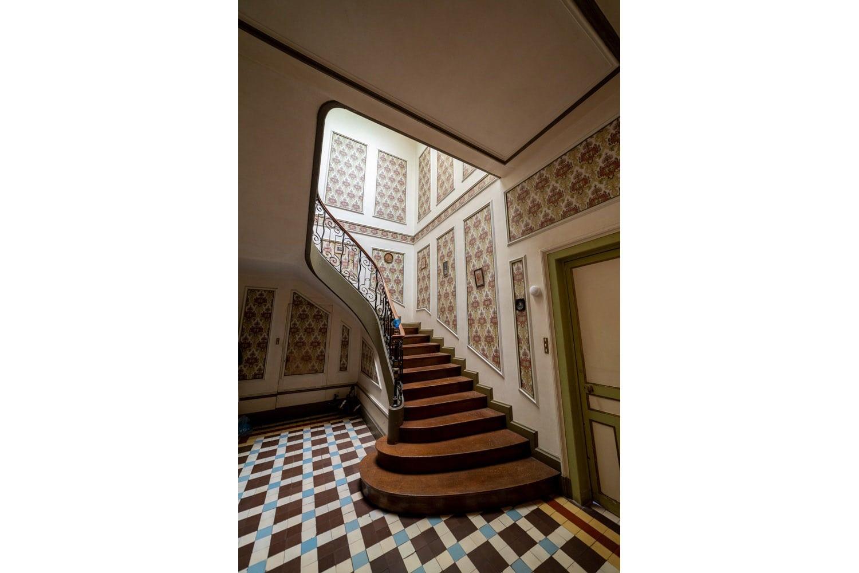 Immobilier : Escalier dan sun chateau