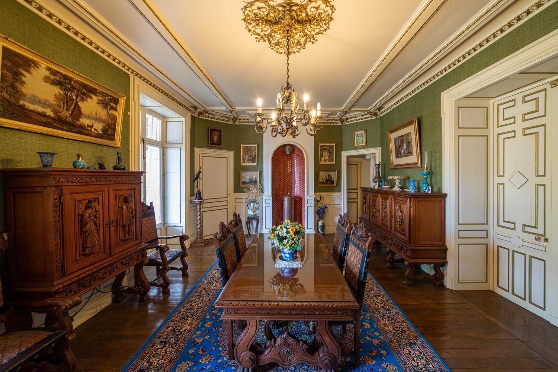 Immobilier : Salle à manger d'un chateau