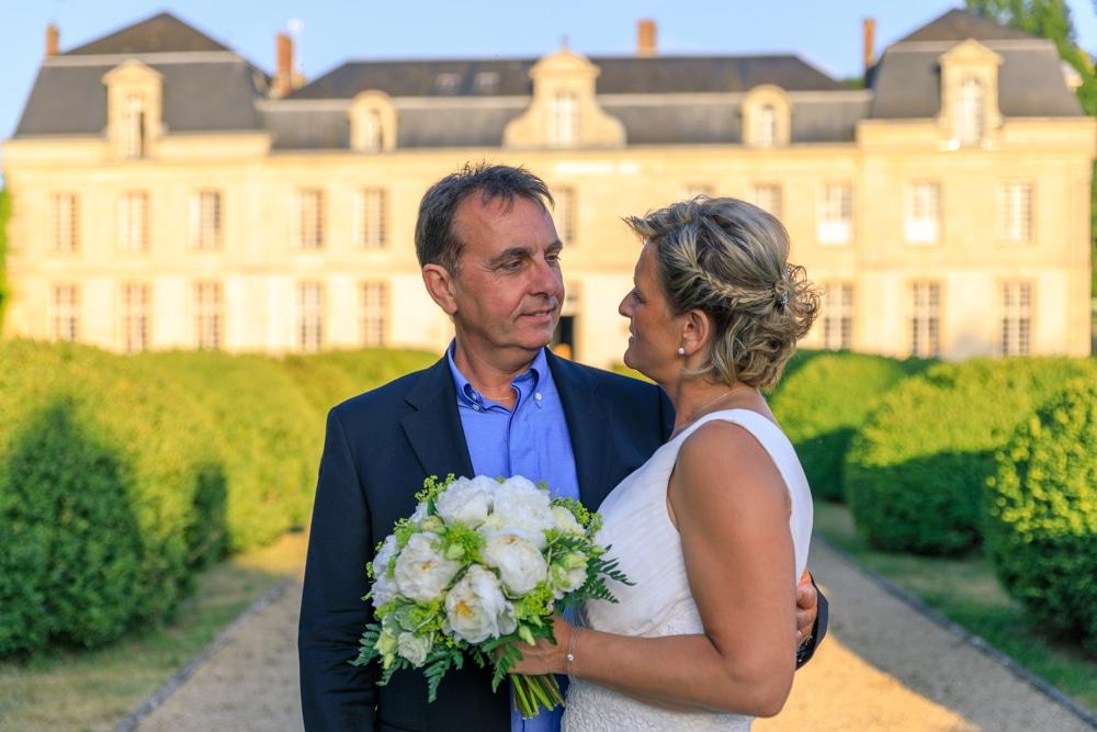 Mariées se regardant